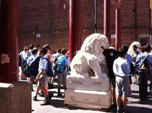 A school class on the way to Chinese Museum