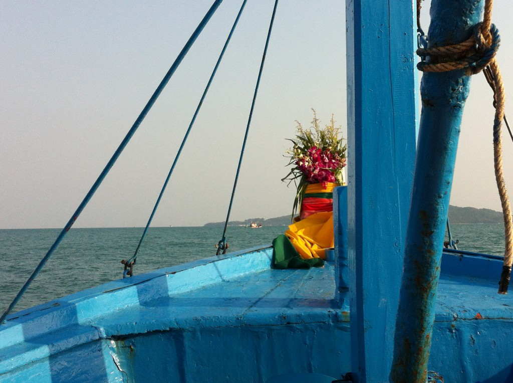 how to travel from bangkok to rayong
