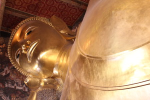 The reclining Buddha, Bangkok by boat