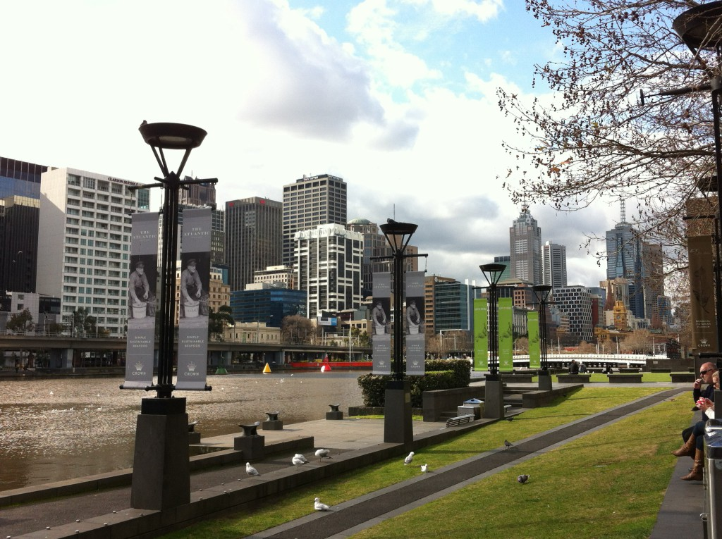 Southbank Promenade and Yarra river