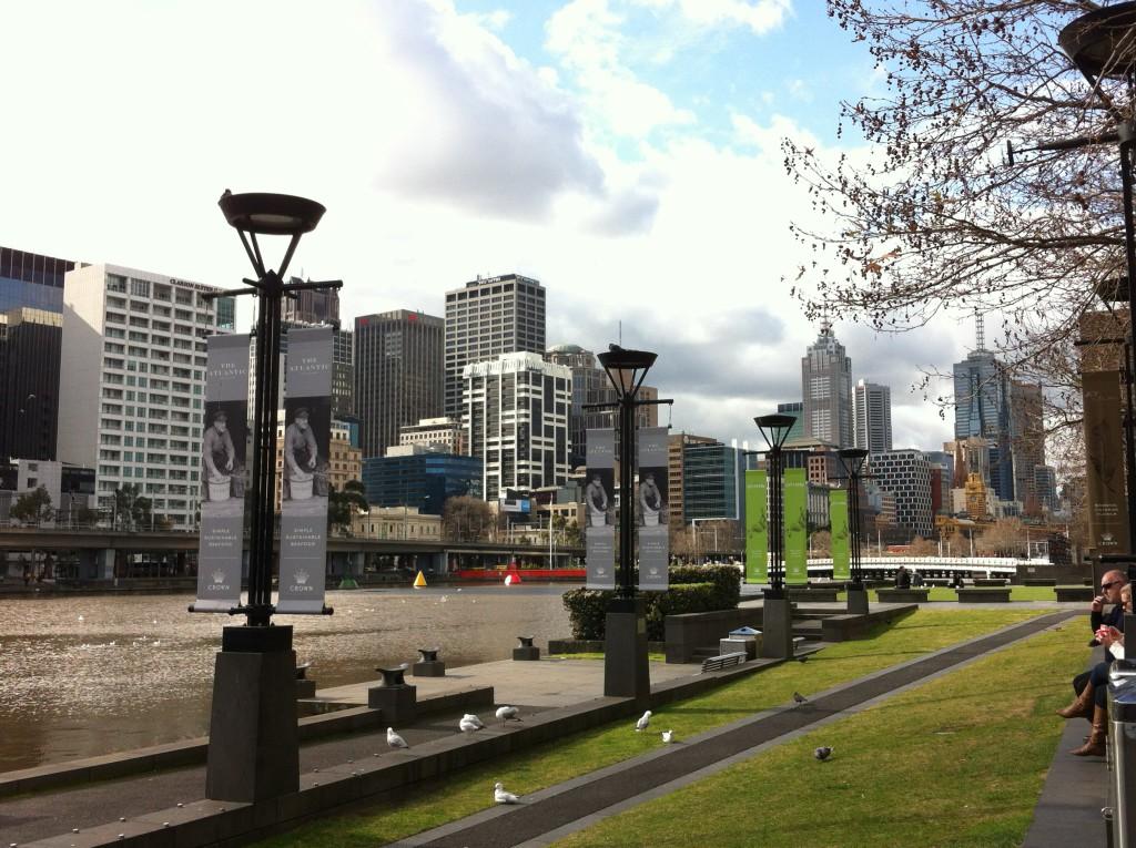 Southbank Promenade and Yarra river