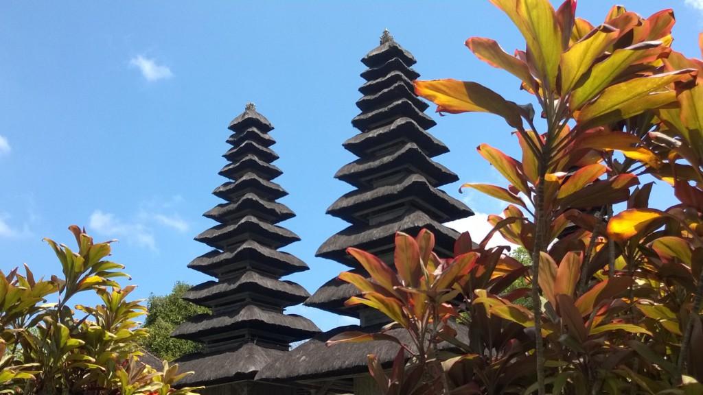 Maru towers, Pura Taman Ayun