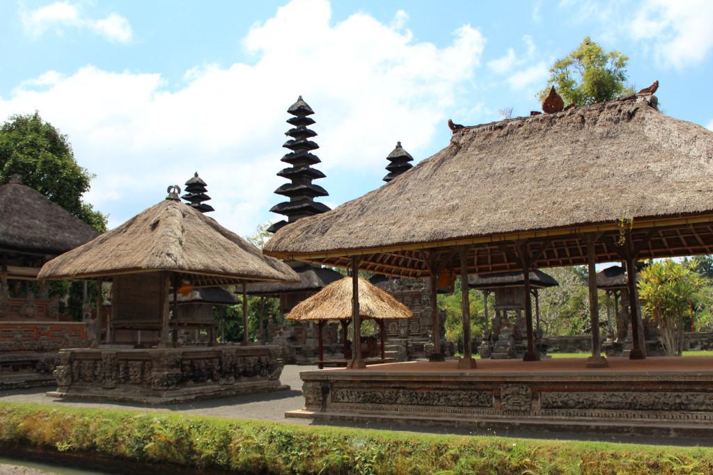 Pura Taman Ayun temples