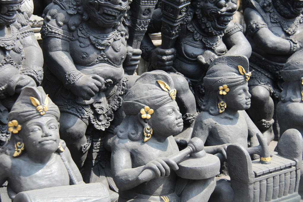 Balinese statues on the day trip to Central Bali