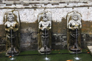Goa Gajah cave statues