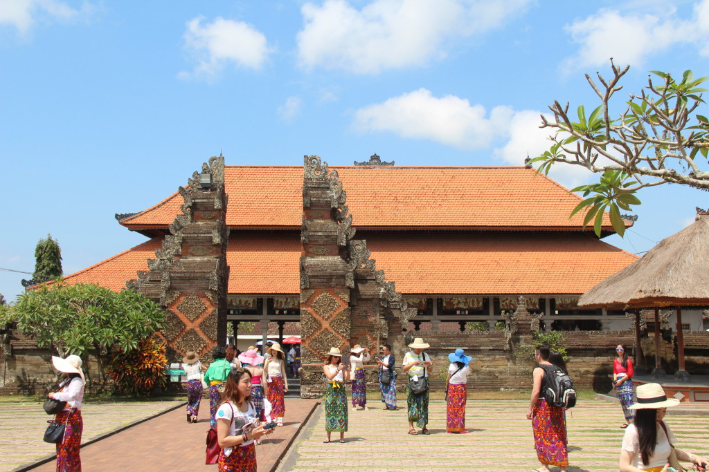 Pura Desa Batuan temple entrance