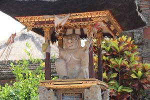 Pura Desa temple statue