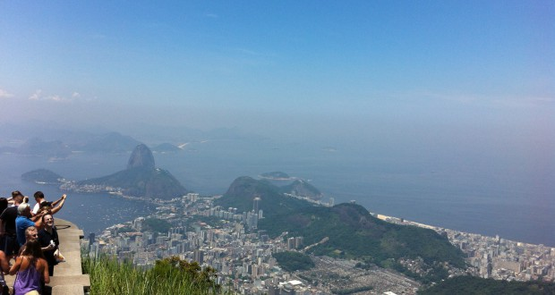 Tourists at Christ the Redeemer