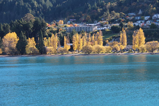 Lake Wakatipu and Queenstown