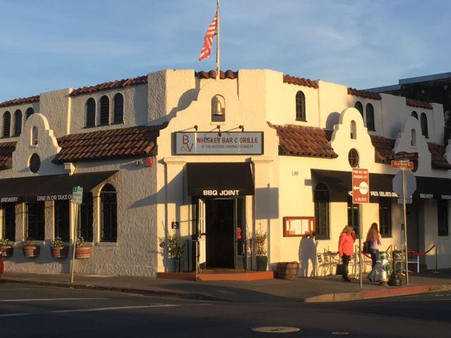 Sonoma center street corner