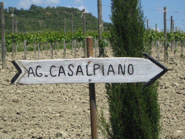 Agriturismo Casalpiano road sign