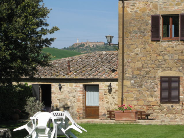Agriturismo holiday in Tuscany and hilltop Pienza