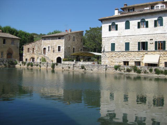 Italian farmstay agriturismo holiday in tuscany routes - Bagno a vignoni ...
