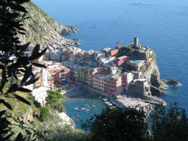 Hiking Cinque Terre Trails to Vernazza