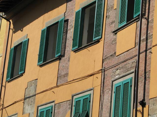Tuscany scenic drive Pisa townhouse