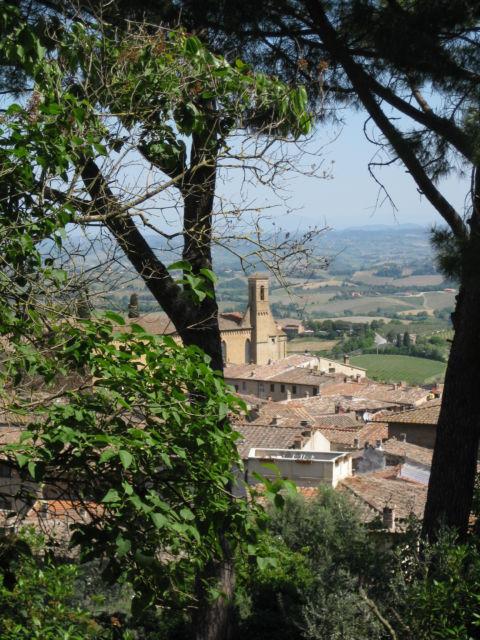 Tuscany Scenic Drive San Gimignano hill view