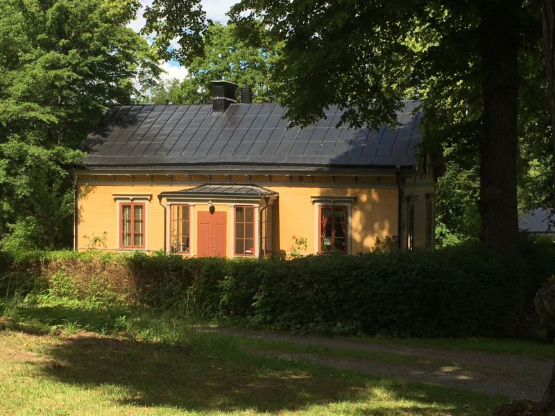 Rosendal Palace side building