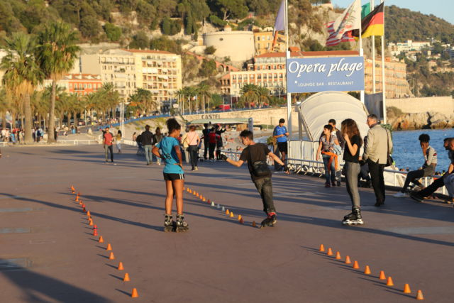 Nice in one day, Promenade des Anglais roller skating