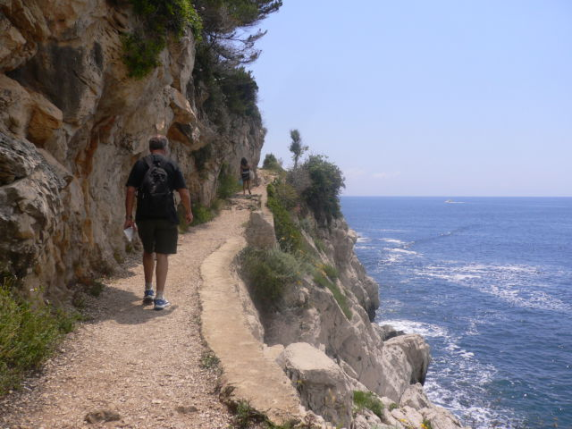 Walking around Cap-Ferrat