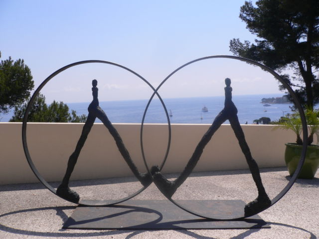 Walking around Cap-Ferrat Villa Rothschild art