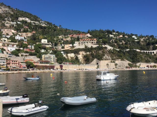 Walking around Cap-Ferrat, Villefrance beach