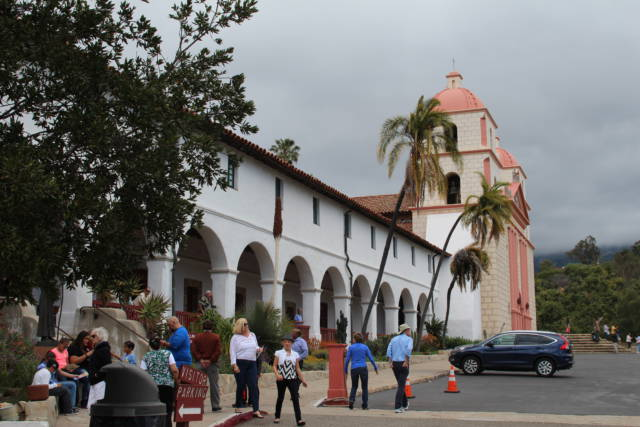 Santa Barbara Mission visitors