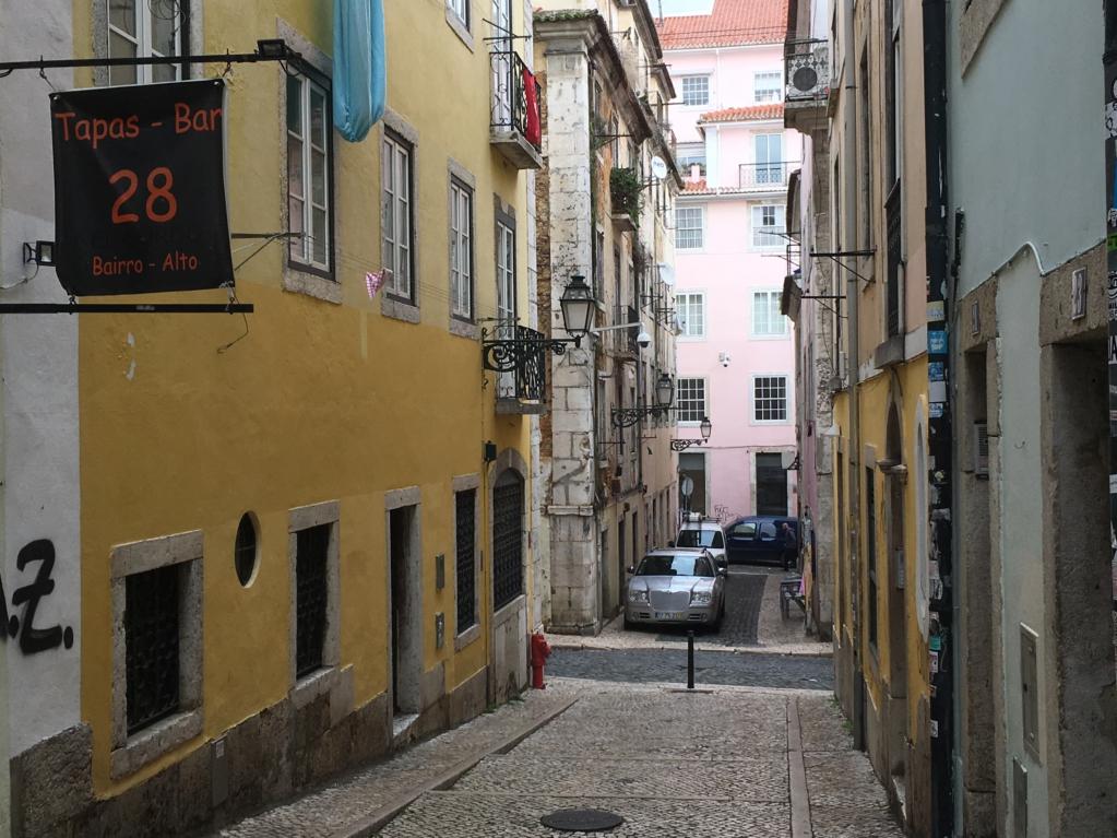 Bairro Alto alley