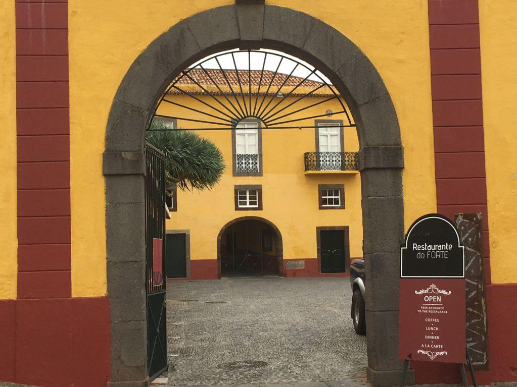 Forte de San Tiago gate, Funchal