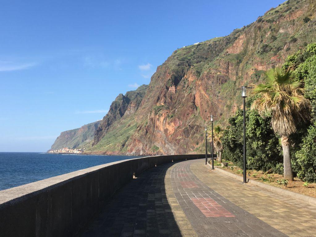 Jardim do Mar beach boulevard