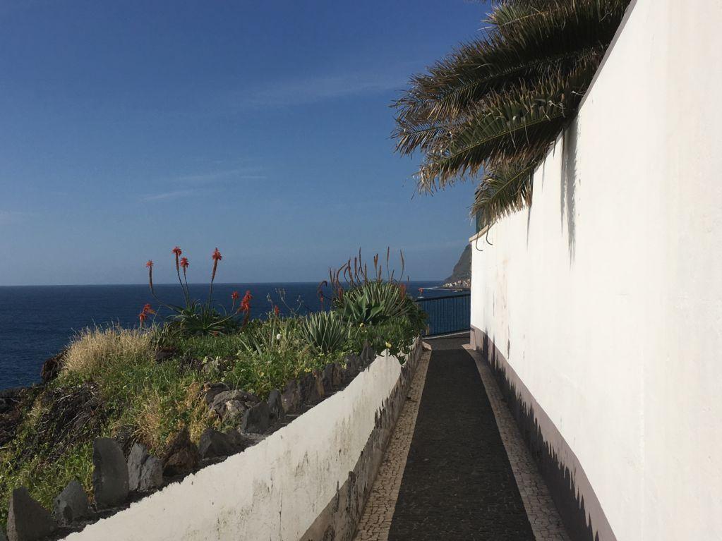 Jardim do Mar white walls