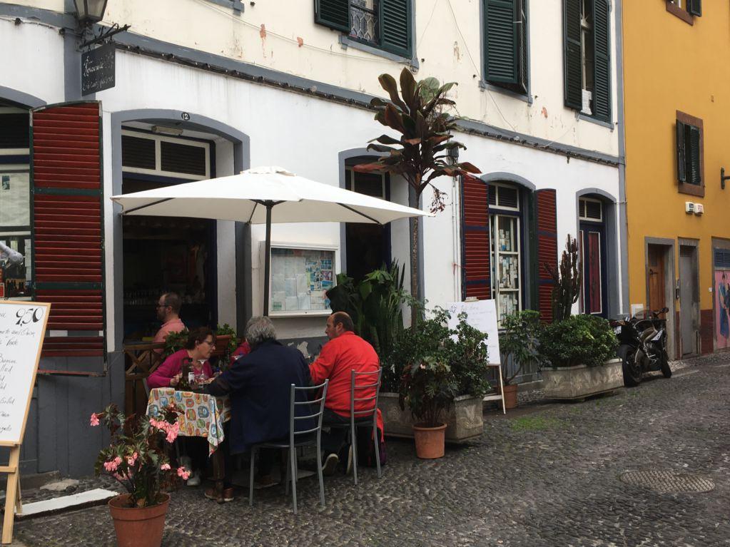 Rua de Santa Maria restaurant street