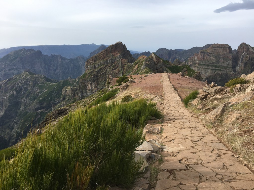 Walking track Pico do Arieiro Madeira