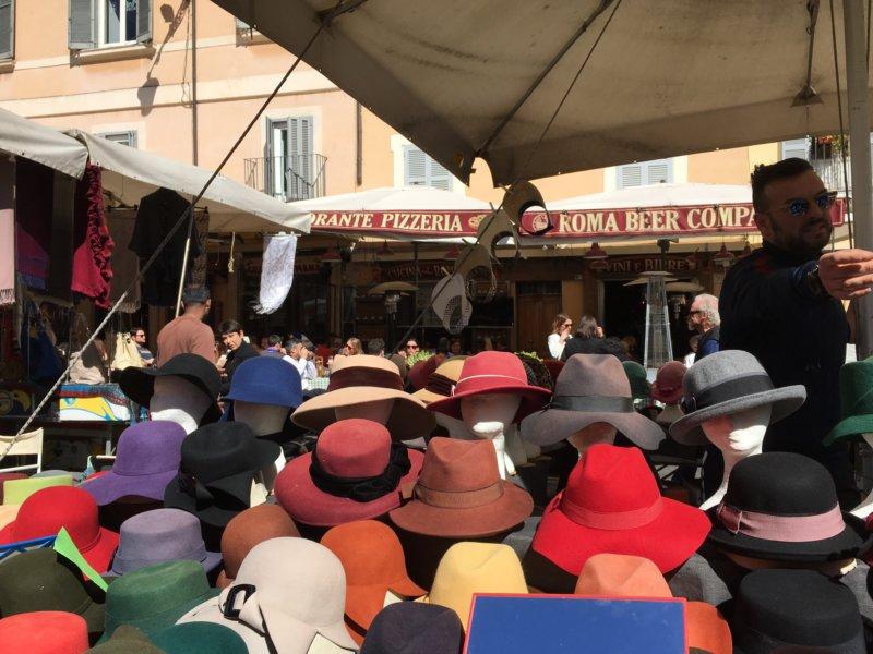 Campo dei Fiori hat stall, Rome