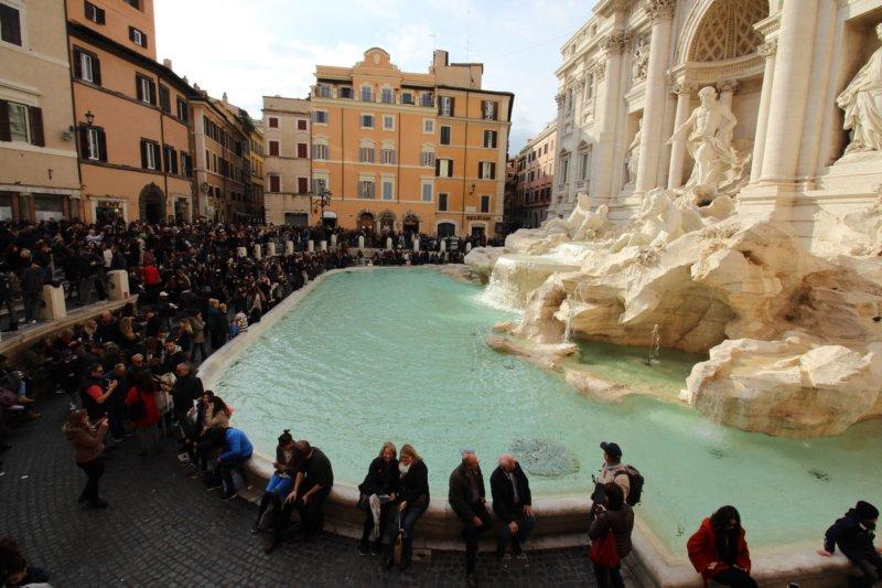 Fontana di Trevi Top 10 sights in Rome