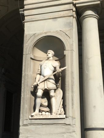 Uffici statue