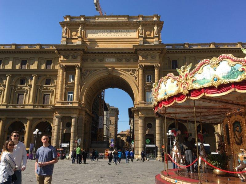 Piazza della Repubblica, Florence walk
