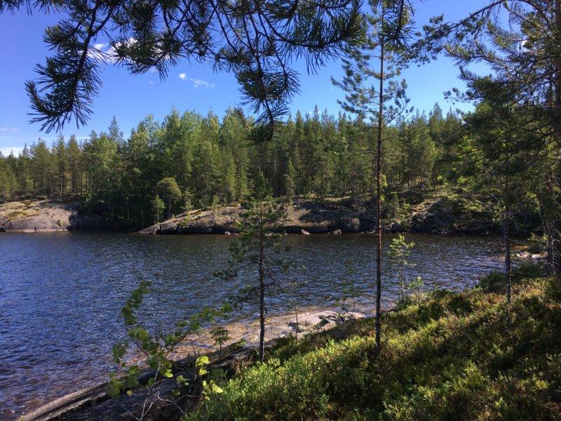 Three Mountains hiking trail lake view