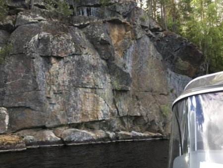 Water taxi to Toussunlinna rock paintings