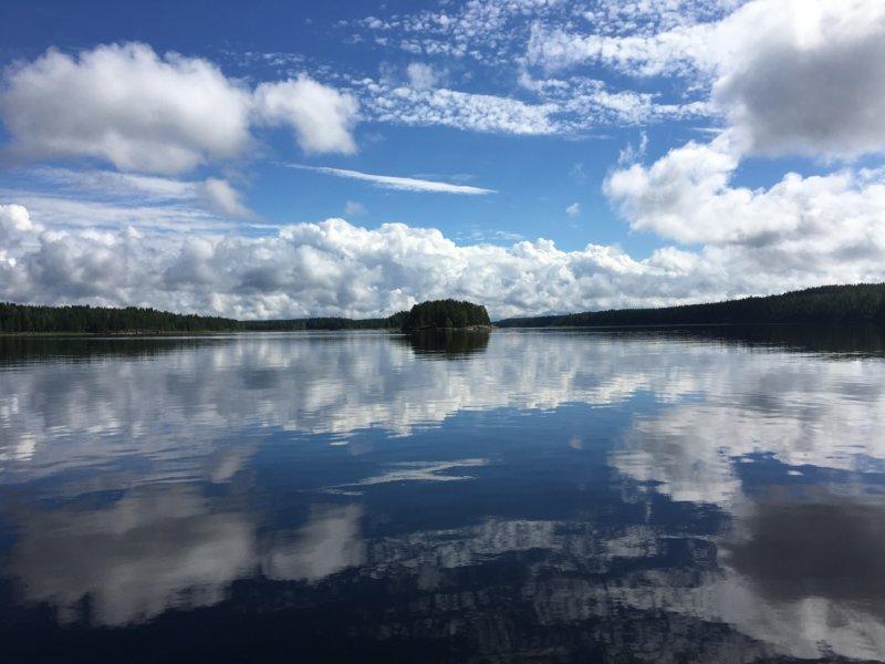 The reflecting Lake Näsijärvi , Finland