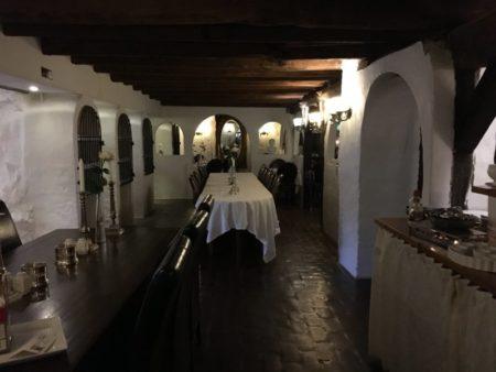 Vraa Slotshotel breakfast room
