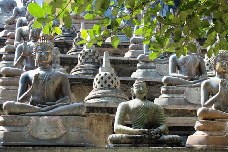 Gangaramaya Temple statues, Colombo