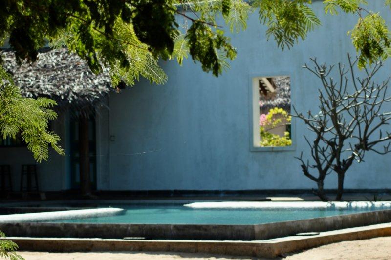 Villa Kalpitiya pool and wall