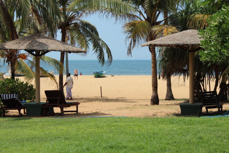 Negombo Goldi Sands Hotel beach