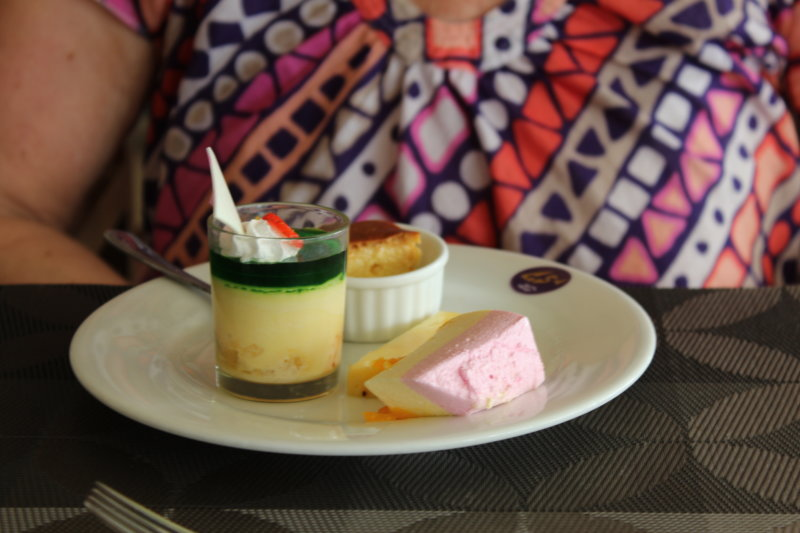 Negombo Goldi Sands Hotel lunch