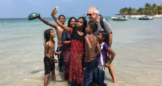 Selfie with locals, Passekudah Bay, Sri Lanka