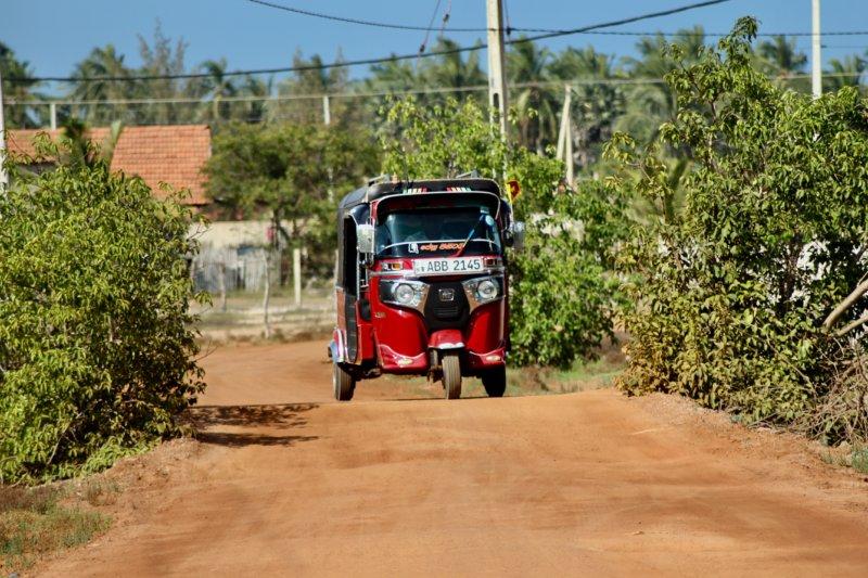 Tuk tuk on Kalpitiya village road