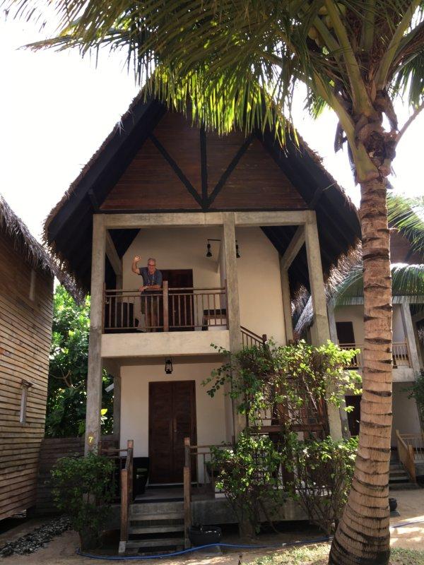 Maalu Maalu Resort rooms on poles