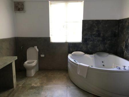 Pigeon Island Resort bathroom