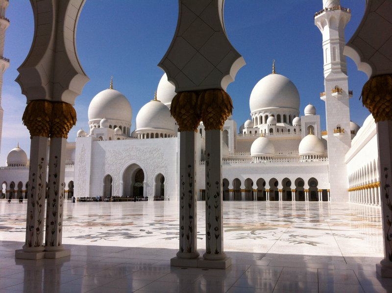 How to Make a Bus Trip from Dubai to Abu Dhabi - Routes and