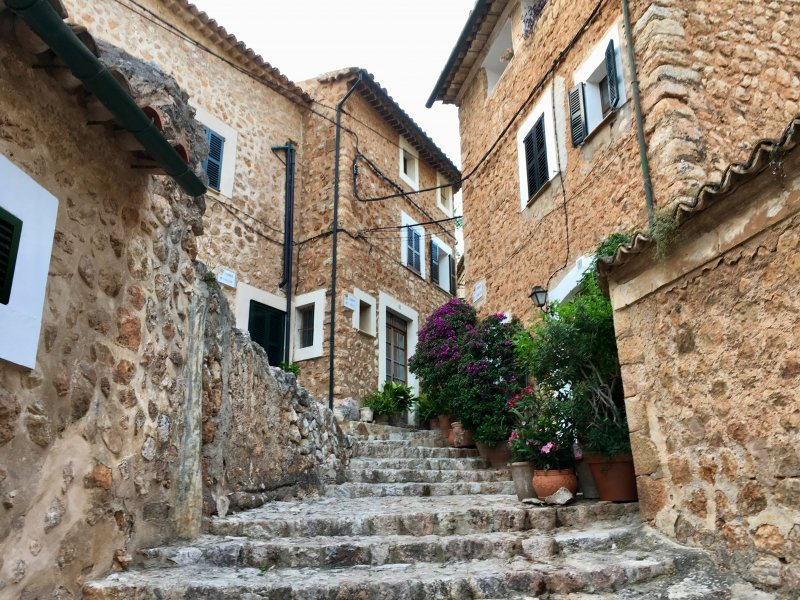 Fornalutx street view, Mallorca